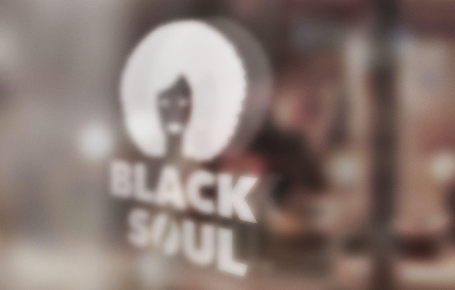 Fensterscheibe mit Black Soul Logo vom Ladengeschäft