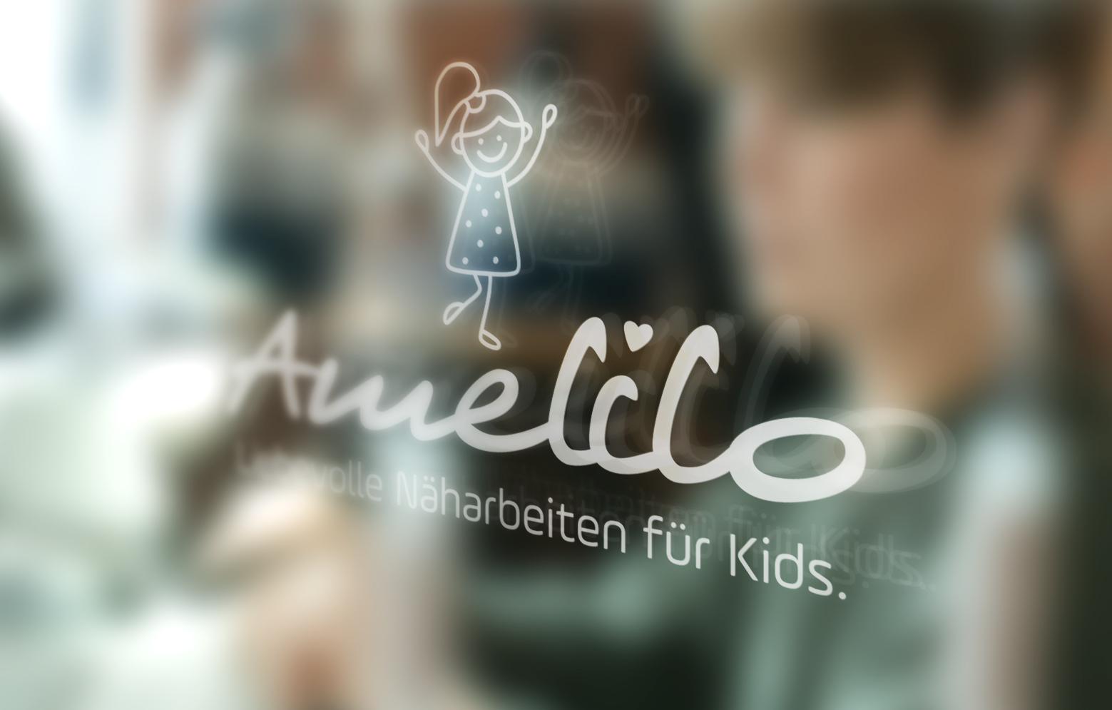 Fensterscheibe mit Amelilo Logokleber